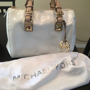 Micheal kors white purse